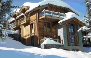 modern-houses-snow-country-house-designs-8